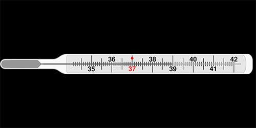 Termómetro que indica fiebre, la cuál no puede existir durmiendo en una piramicama